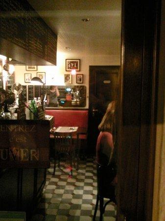 """L'estrapade : Наш """"замечательный"""" стол под туалетом"""