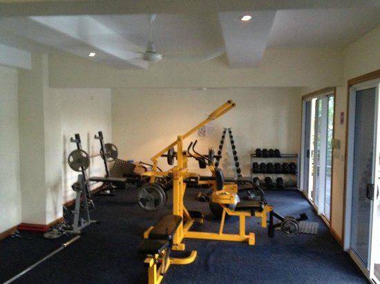 King Solomon Hotel: Gym- weights section
