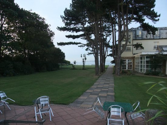 Marine Hotel: grounds to the rear