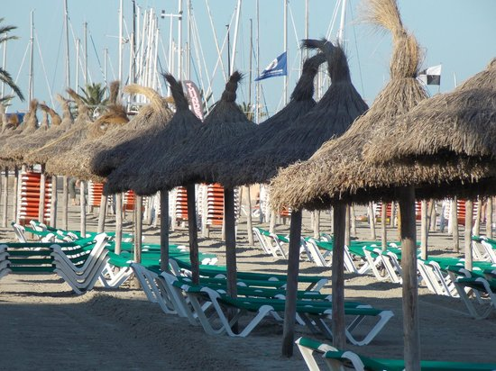 Playa de Palma El Arenal : morning photo of the beach