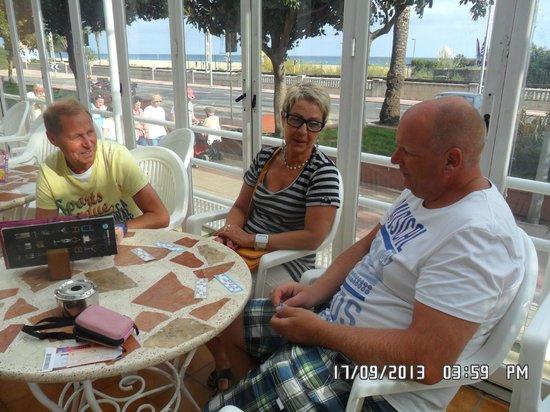 Hotel Sorra Daurada Splash : op het terras bij het hotel