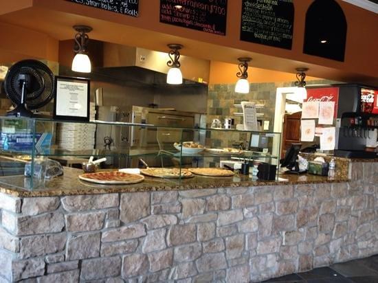 Galileos Italian Restaurant & Pizzeria : pizza area