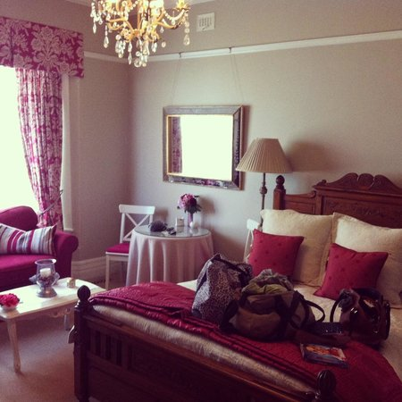 Melba House Boutique Bed & Breakfast: Dame Edna Spa Suite