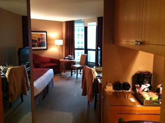 Metropolitan Hotel Vancouver: view from the door