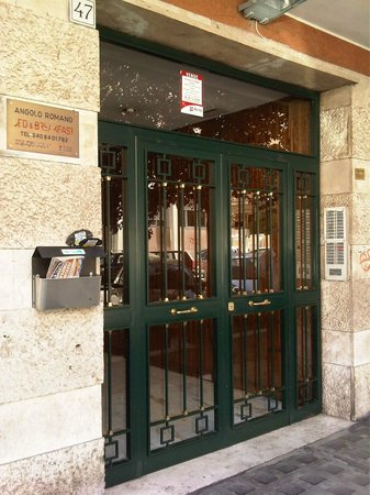 Bed & Breakfast Angolo Romano : Entrance