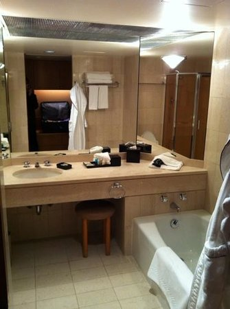 Metropolitan Hotel Vancouver: the bath. shower + tub. And Molton Brown products