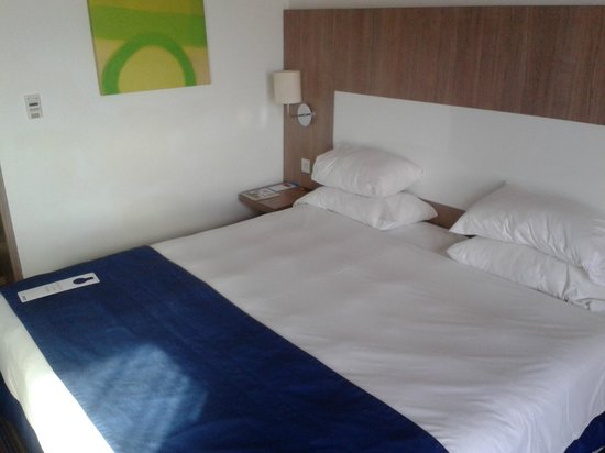 Park Inn by Radisson Manchester, City Centre : Bed