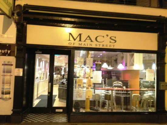 Mac's of Main Street: Front of Mac's (Sorry for fuzzy pic)