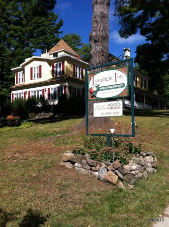 Lamplight Inn Bed and Breakfast: B&B from the street