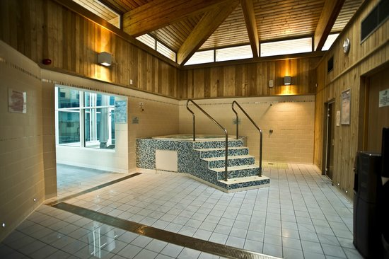 The Watershed: Health Suite with Sauna, Steam Room and Jacuzzi