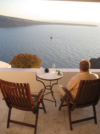Fanari Villas: Sunset drinks from our private terrace