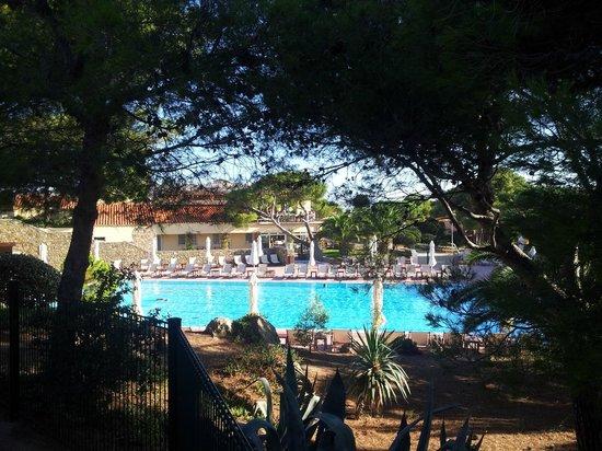Club Med Sant'Ambroggio : Vue du cours de Fitness sur piscine