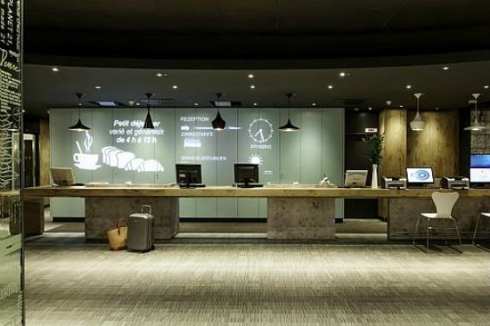 Hotel Ibis Warszawa Ostrobramska: Reception