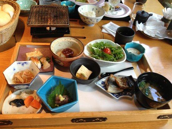 Kira no Sato: 朝から豪華な和朝食