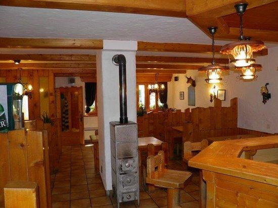 Auberge au Petit Velan: Café-Restaurant