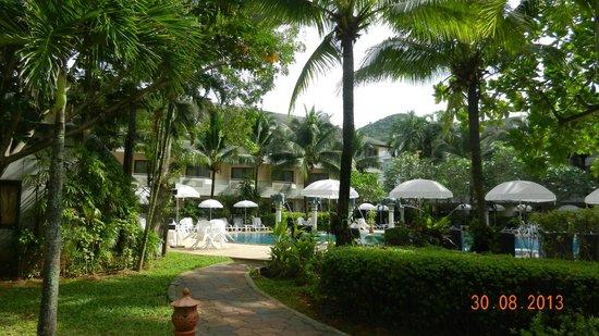 Golden Beach Resort Krabi outdoor dining