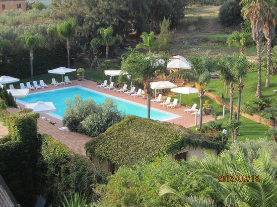 Hotel della Valle: 部屋から見たプール