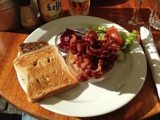 Hyttefadet : danish pate & bacon