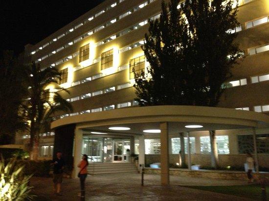 Hotel Java: HOTEL ILLUMINATO