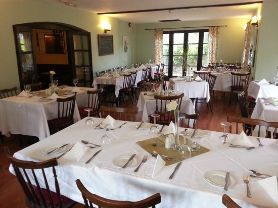 Coach House Hotel: Restaurant