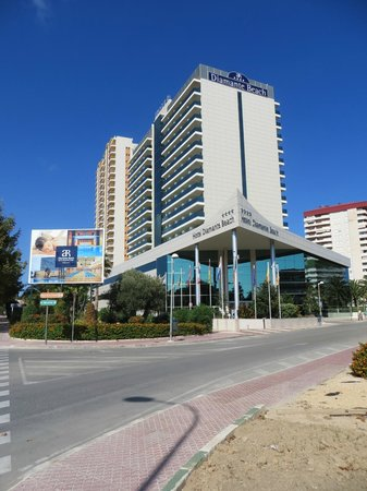 AR Diamante Beach SPA Hotel & Convention Centre: Main entrance to hotel.