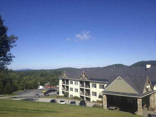 Mountain Edge Resort & Spa at Sunapee: View from hill behind resort where we let our dog run around