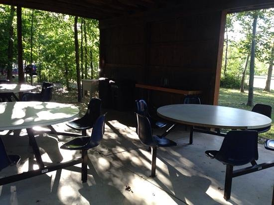 Covert-South Haven KOA: common cooking area, very clean and accesible, has a range, sink and 3 sets of tables