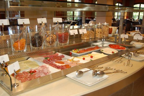 Sheraton Mallorca Arabella Golf Hotel: Just part of the breakfast buffet