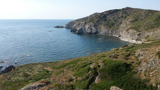 Agriturismo Ezzi Mannu: cliffs ca. 10km away from this location