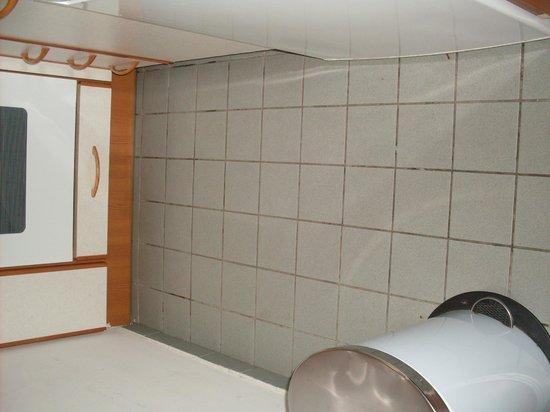 Apartmenthaus Hietzing: pavimento cucina