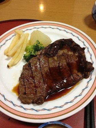Hotel Lake Side Tsukuba: 夕飯のステーキ