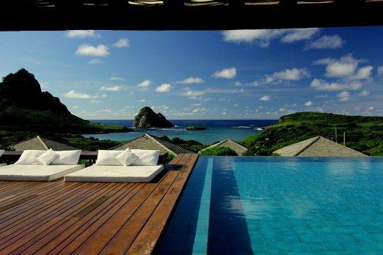 Pousada Maravilha: Piscina de borda infinita com vista para a deslumbrante Praia do Sueste
