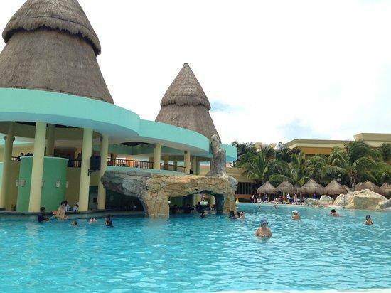 Iberostar Paraiso Maya: Swim up bar