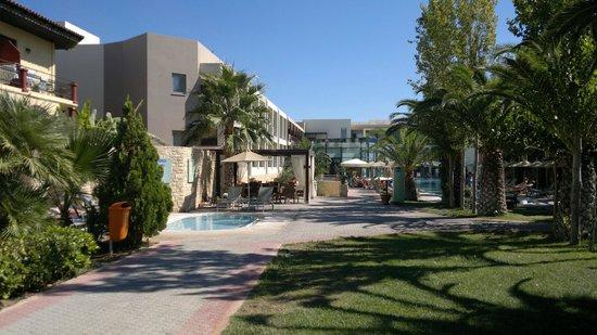 Minos Mare Royal: Отель