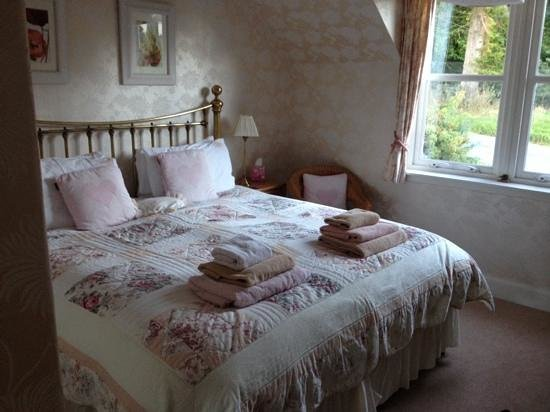 Coshieville House Bed & Breakfast: Our room