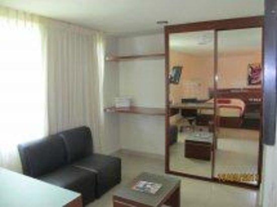 Grand City Hotel: sala de estar