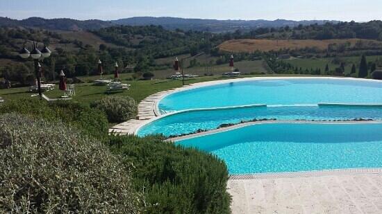 Bagno Santo Hotel: piscina a tre livelli