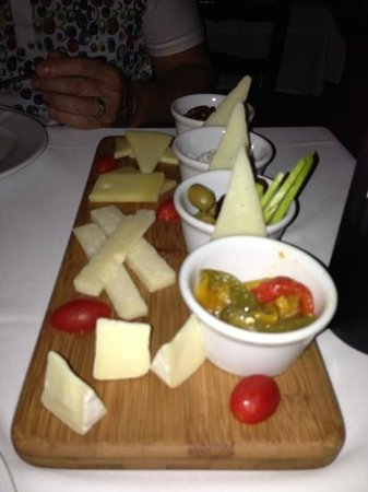 Barcelona Tapas: cheese plate