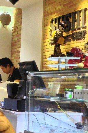Sushi Chef : elaboración de platos delante del público