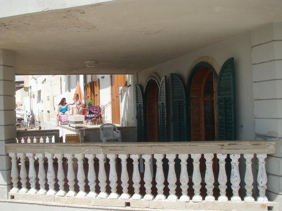Santa Croce Camerina, إيطاليا: Particolare della casa di Montalbano