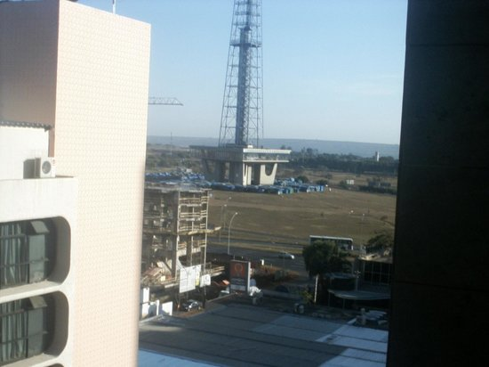 Windsor Plaza Brasília Hotel : Foto da Janela com vista para a Torre de TV