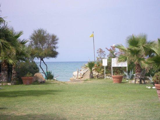Acacia Resort Parco dei Leoni: ACCES PLAGE