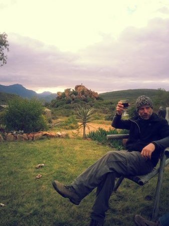 Gecko Creek Wildnerness Lodge: Sundowners with John