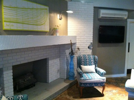 The Lodge on the Cove : Cozy Family Area