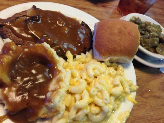 Lizard S Thicket Restaurant Pot Roast Mac And Cheese Mashed Potatoes Green Beans