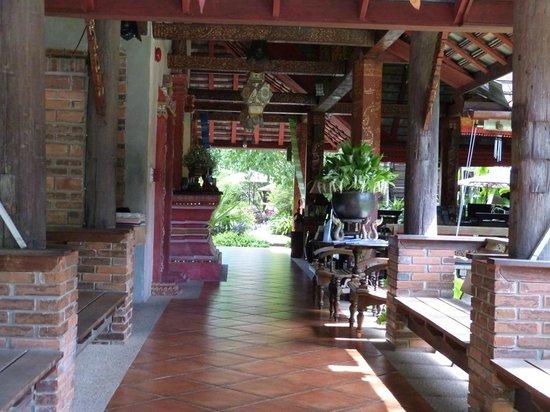 Yaang Come Village : Reception