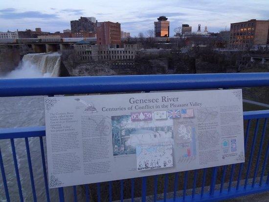 Genesee River's High Falls: O deck de observação