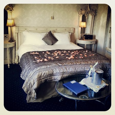 Shottle, UK: the stunning Ecclesbourne suite