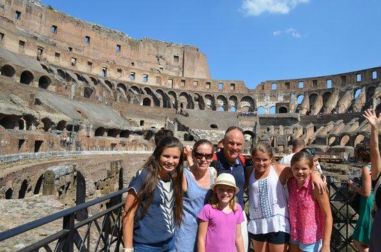 Avventure Bellissime Rome : Touring the Colosseum
