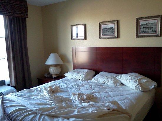 Moenkopi Legacy Inn & Suites : Dormitorio